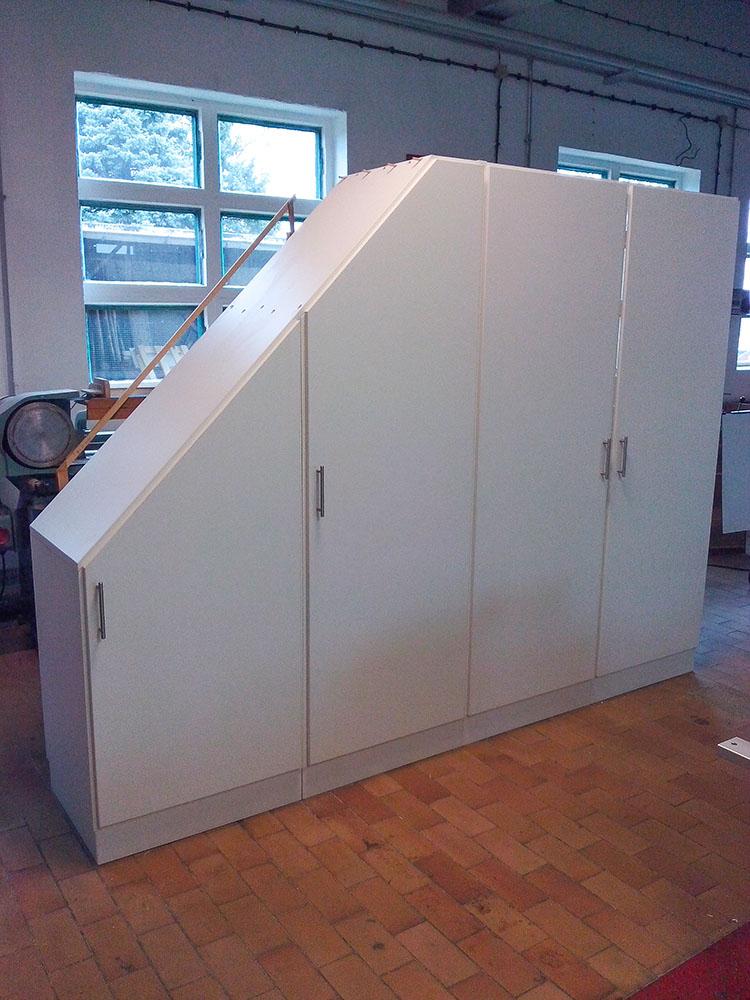 Schrank für Dachgeschoss