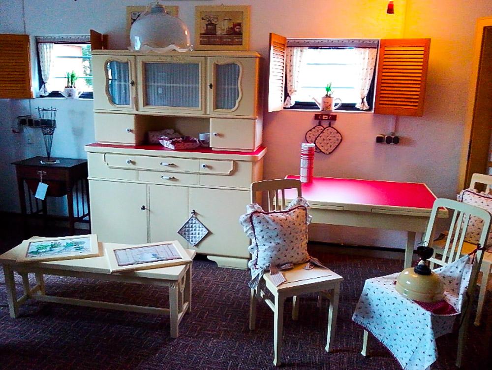 Restaurierte Küchenmöbel
