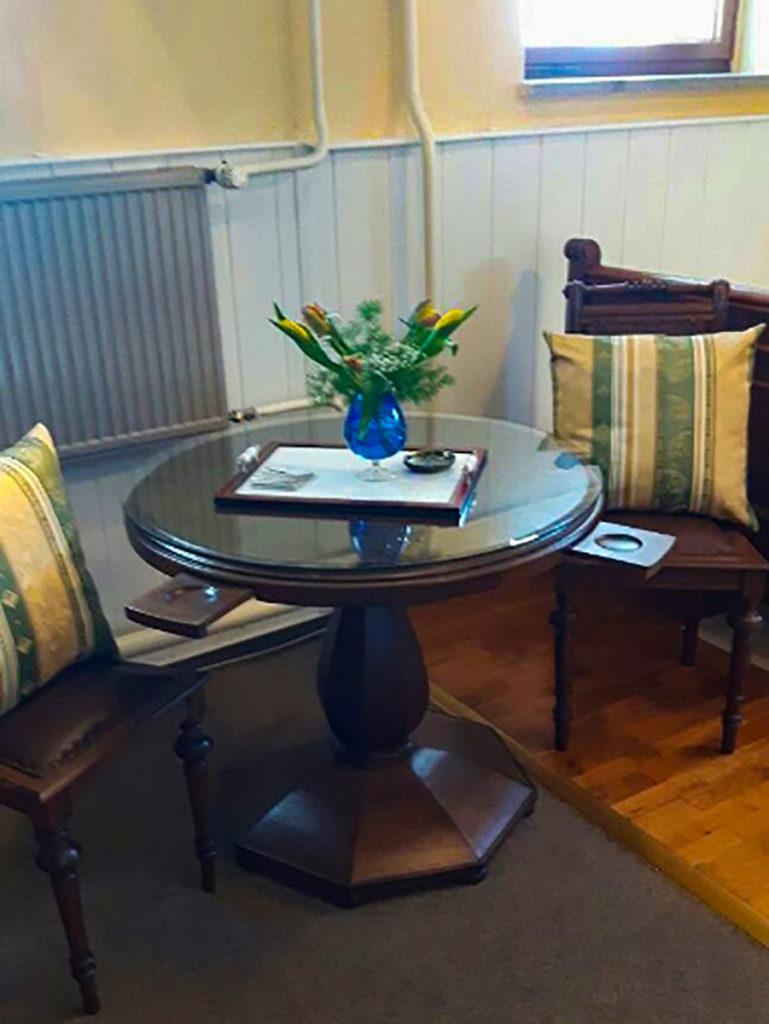 Restaurierte Möbel für eine Sitzecke