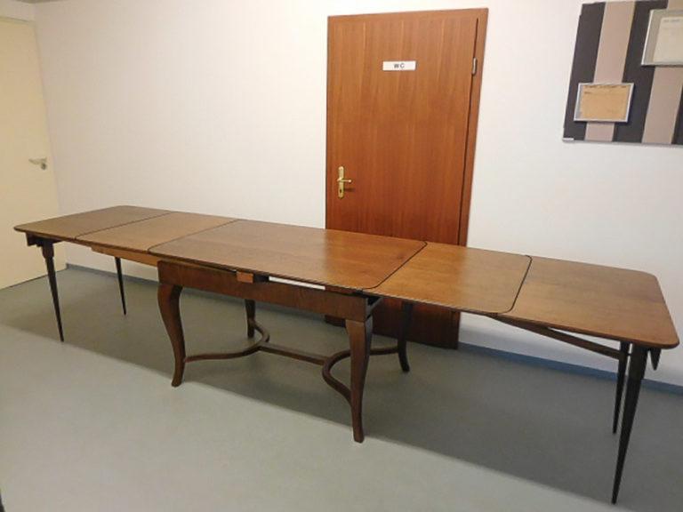 Tisch_4